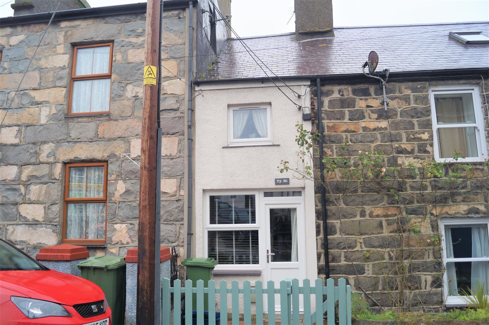 Stryd Y Plas, Nefyn, Pwllheli - £72,500